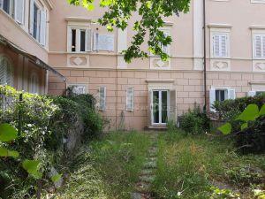 Appartamento MONTENERO € 350.000
